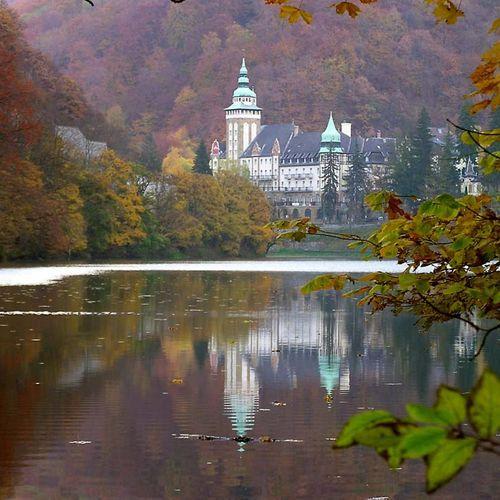 A Palota ősszel