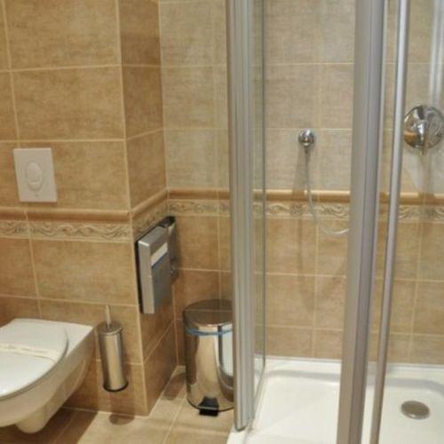 Business fürdőszoba