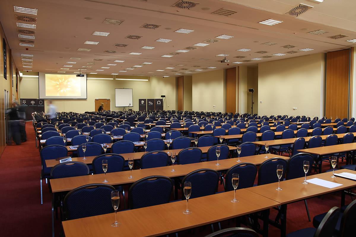 Hunguest Hotel Pelion Tapolca - Fórum terem - -