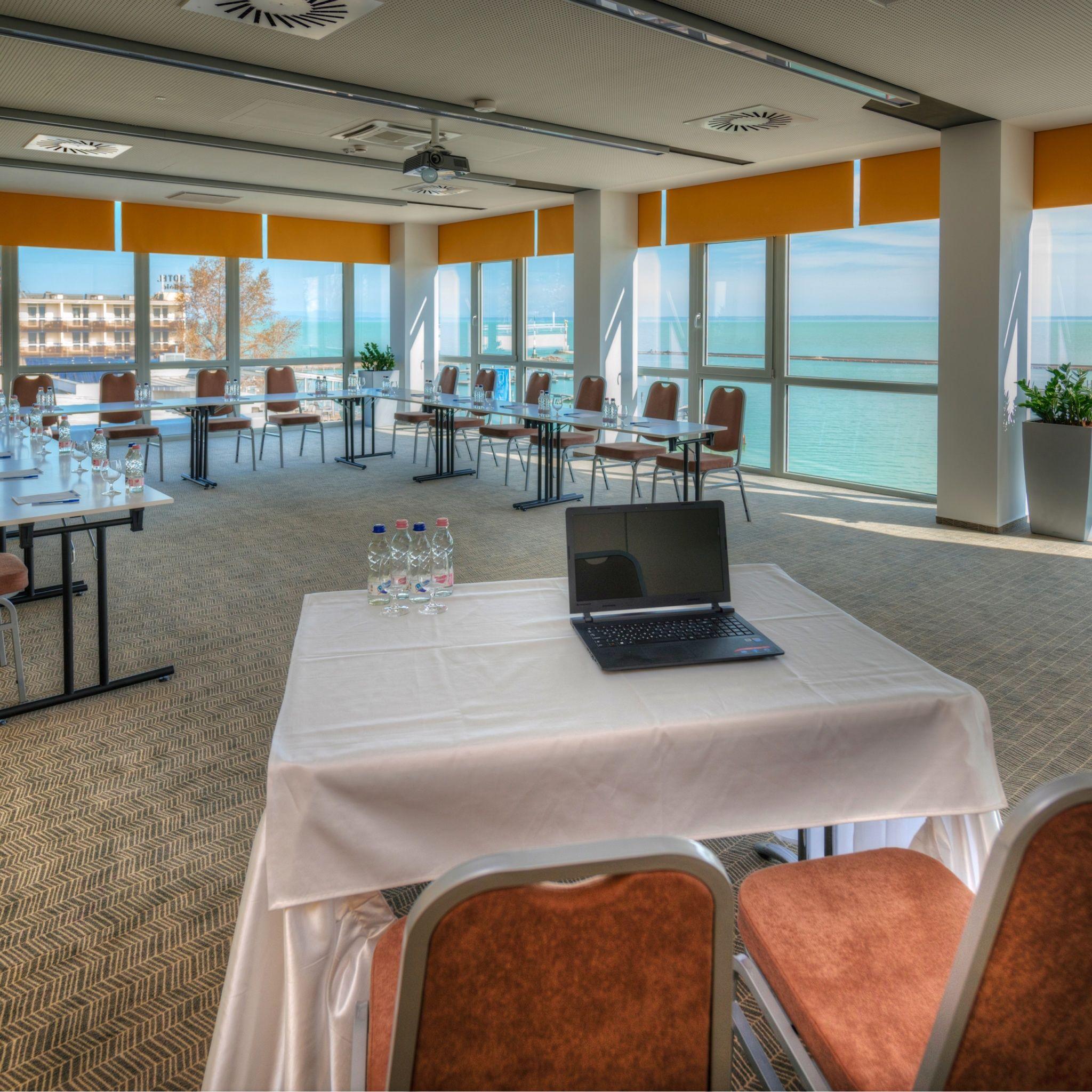 Hotel Yacht Wellness & Business Siófok - Fregatt