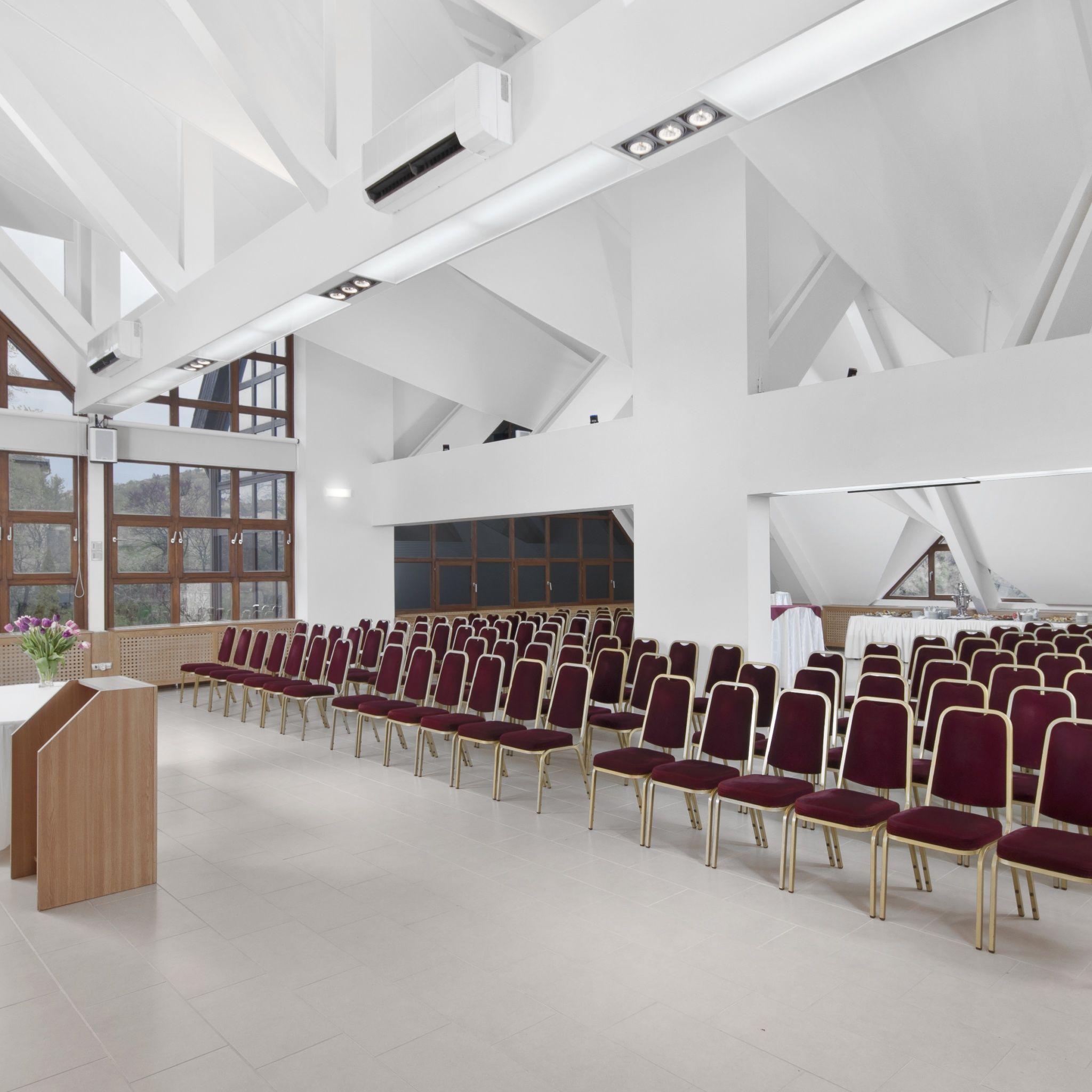 Rubin Wellness&Conference Hotel Budapest - Sirály terem széksoros elrendezés konferenciára