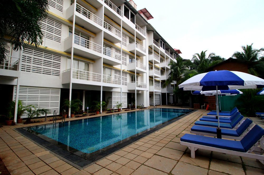 OYO 10138 Turtle Beach Resort 2 Morjim - RevNGo com