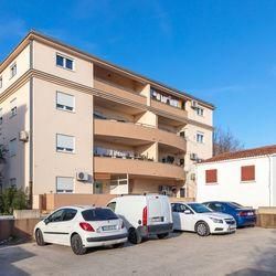 Apartment Panorama Kaštel Lukšić