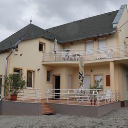 Balassa Családi Apartman Vonyarcvashegy Szallas.hu