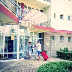 Őszi pihentető napok a debreceni Hotel Nagyerdőben, 3 nap/2 éjszaka, 2 fő részére, félpanzióval, termálvizes medence és szauna használattal, kedvezménykuponnal