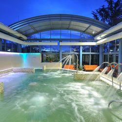4 napos nyaralás Egerben félpanziós ellátással az Eger & Park Hotelben****, ajándék strandbelépővel, masszázzsal, egy különleges kávézással, és extra hosszú felhasználással