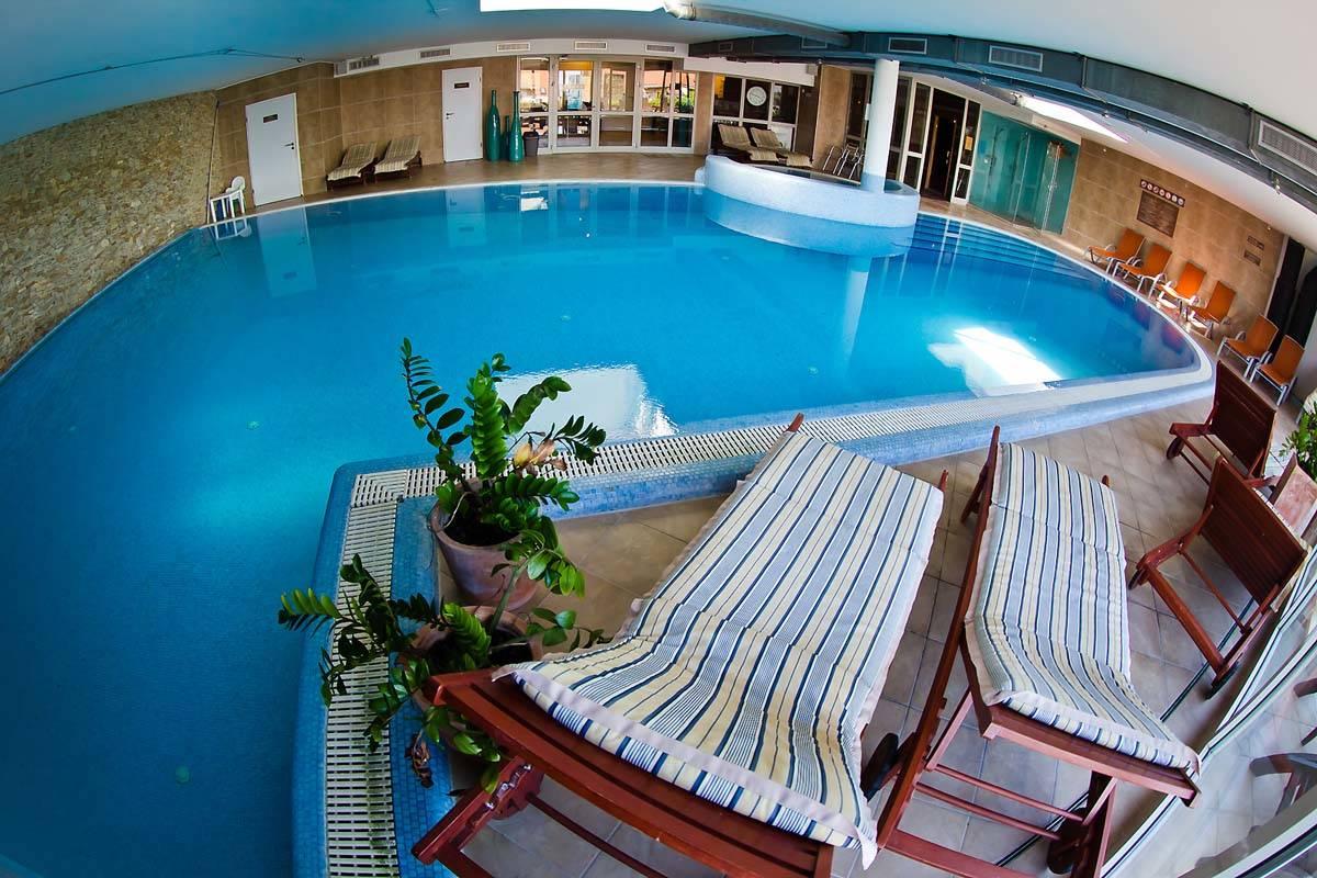 Echo Residence All Suite Hotel Tihany - Kép a medencéről