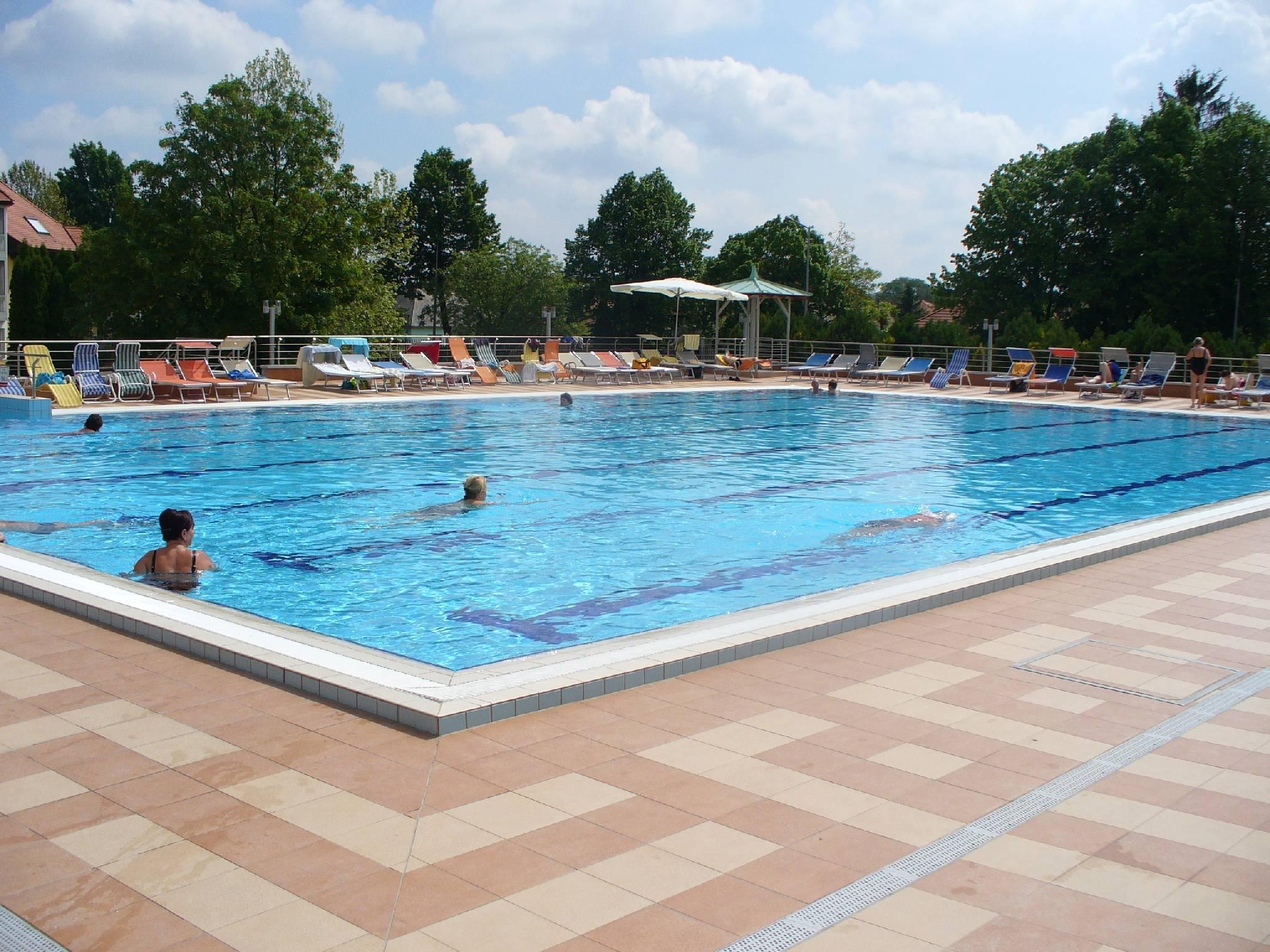 Thermal Hotel Mosonmagyaróvár - Bio Flexum termálfürdő 80m