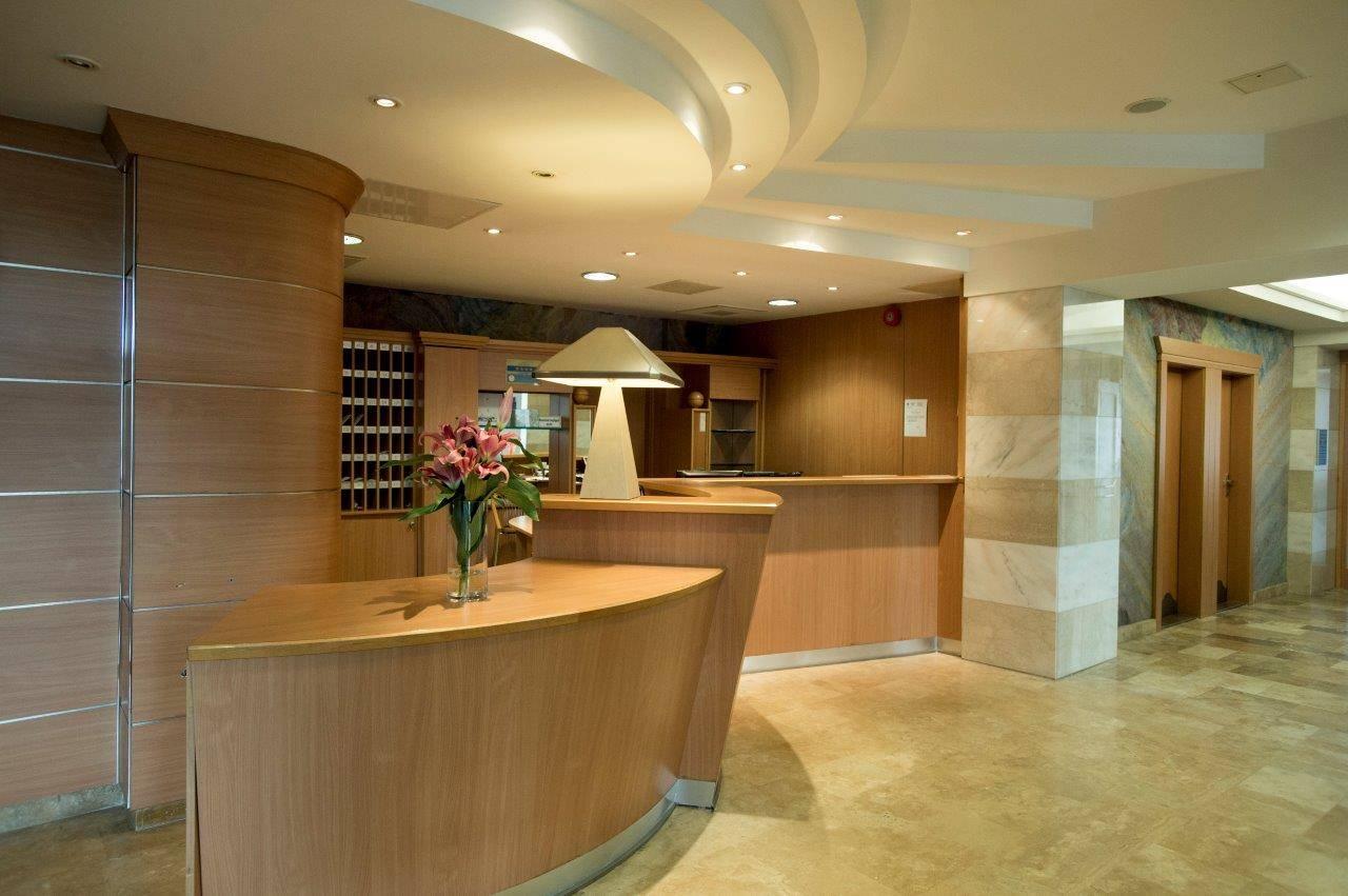 Hotel Marina-Port Balatonkenese - Fotó a recepcióról