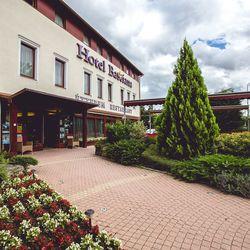3 nap / 2 éj wellness pihenés Sárváron a Hotel Bassiana **** - ban, 2 fő részére, félpanziós ellátással, wellness használattal, arborétum belépővel, fürdőbelépővel és extra kedvezményekkel