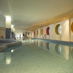 Kényeztető tavaszi vagy nyáreleji wellness Galyatetőn a Hunguest Grandhotel Galyában**** 2 főre 2 éjre félpanziós ellátással