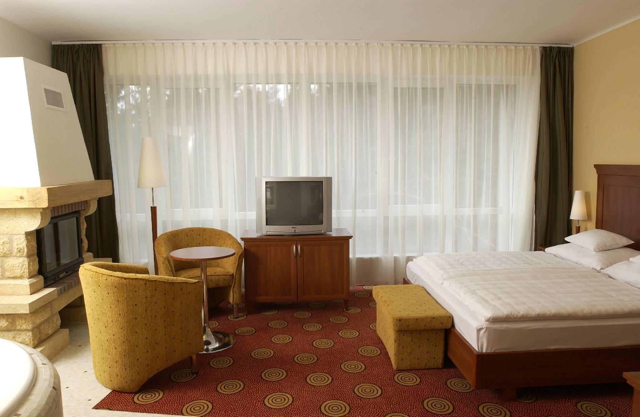 Hunguest Grandhotel Galya Galyatető - De Luxe Jakuzzis-kandallós szoba