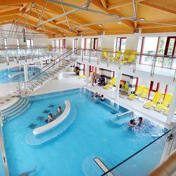 3 nap / 2 éj Egerben, a Hunguest Hotel Flórában, 2 fő részére, félpanziós ellátással, wellness használattal, közvetlen átjárással a városi fürdőbe