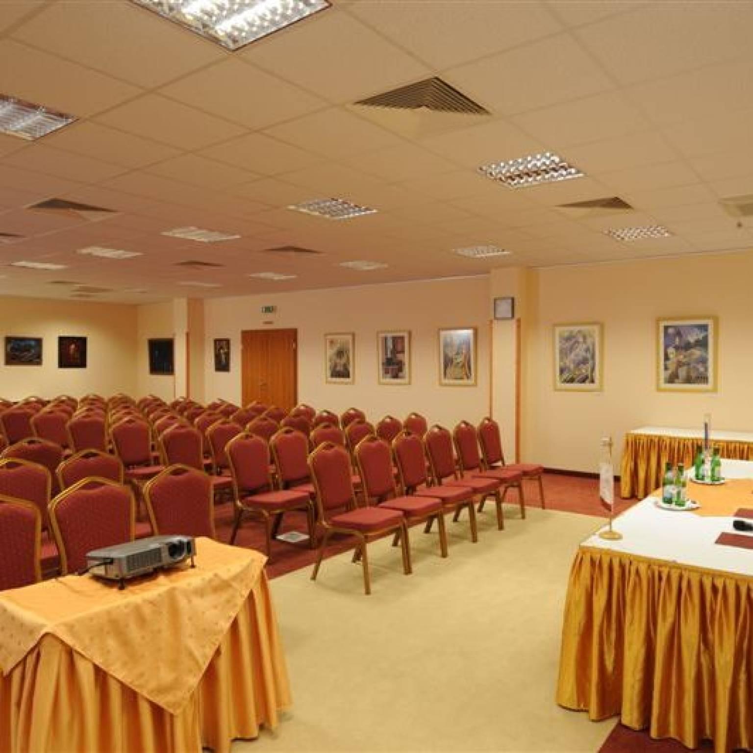 Hunguest Hotel Flóra Eger - Kőris terem