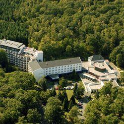 Soproni pihenés a Hotel Lövérben***superior 2 fő részére 2 éjre bővített félpanziós ellátással és wellness használattal