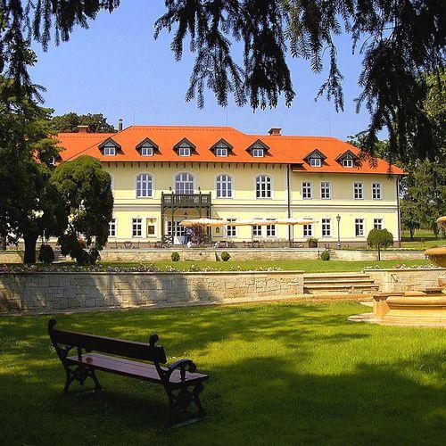 Gróf Degenfeld Kastélyszálló Tarcal****