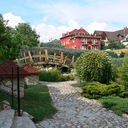 Mesés őszi napok Egerben: 3 nap/2 éjszaka, félpanzióval, vacsorához korlátlan borfogyasztással és wellness használattal