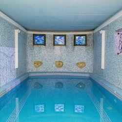 4 nap / 3 éj romantika Egerben, a Hotel Szent Istvánban, 2 fő részére, félpanziós ellátással, vacsorák alkalmával korlátlan borfogyasztással, wellness használattal