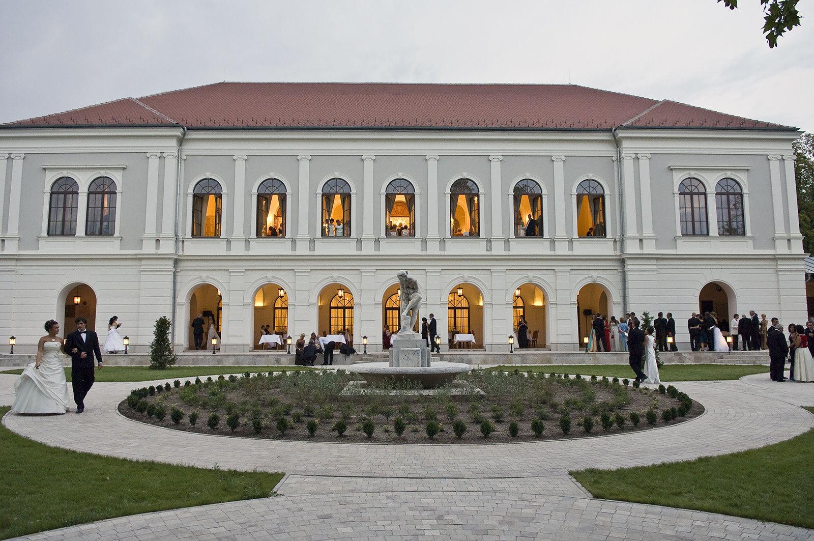 Anna Grand Hotel Wine&Vital Balatonfüred - Díszterem díszkerttel