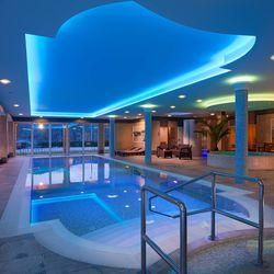 Édes kettesben: Téli hétköznapi wellness Visegrádon a Hotel Honti***-ban felújított kétágyas hotelszobákban 2 főre 2 éjre reggelivel