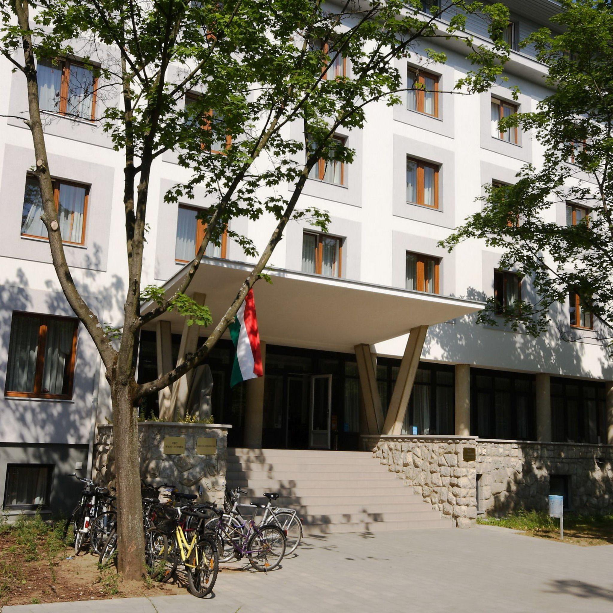 OEC West Hostel Debrecen - RevNGo.com f1b31f71a3