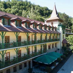 Pihenés a Bakonyban 2 főre teljes ellátással a Hotel Bakonyban***, extra hosszú felhasználással, hétvégi felár nélkül