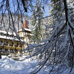 Téli feltöltődés gyönyörű környezetben! 3 nap/2 éjszaka a Bakony Hotelben, Bakonybélen, 2 fő részére, félpanziós ellátással