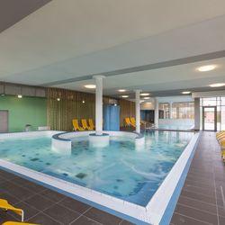 Családi wellness pihenés a párkányi Thermal Wellness Hotelben 2 felnőtt és egy 6 év alatti gyermek részére félpanzióval