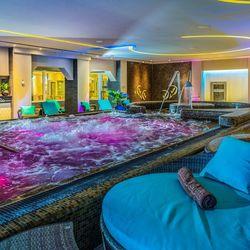 Pihenés a Hotel Délibáb****-ban Hajdúszoboszlón 2 főre 2 éjre félpanziós ellátással, hétvégi felár nélkül, extra hosszú felhasználással