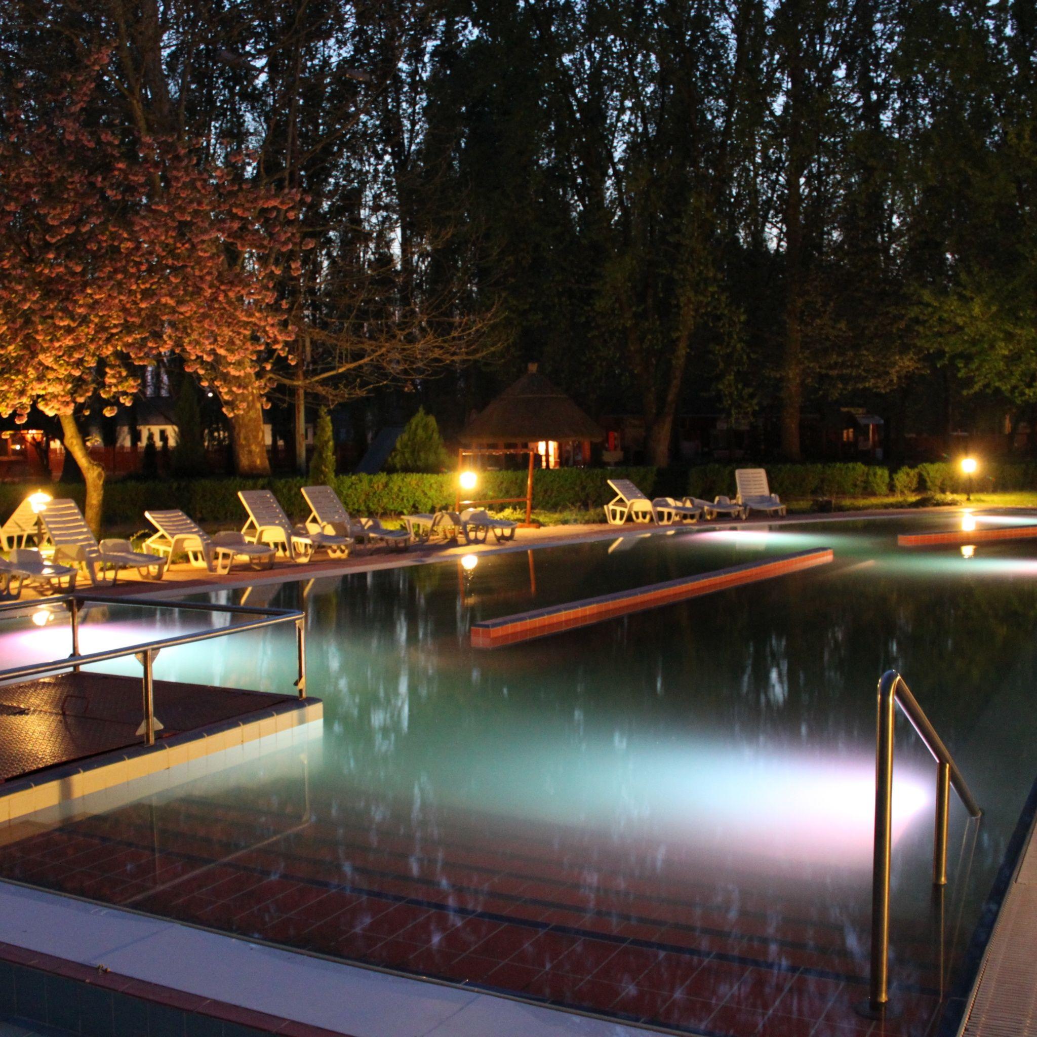 Kristály Hotel Ráckeve - Kültéri gyógyvizes medence