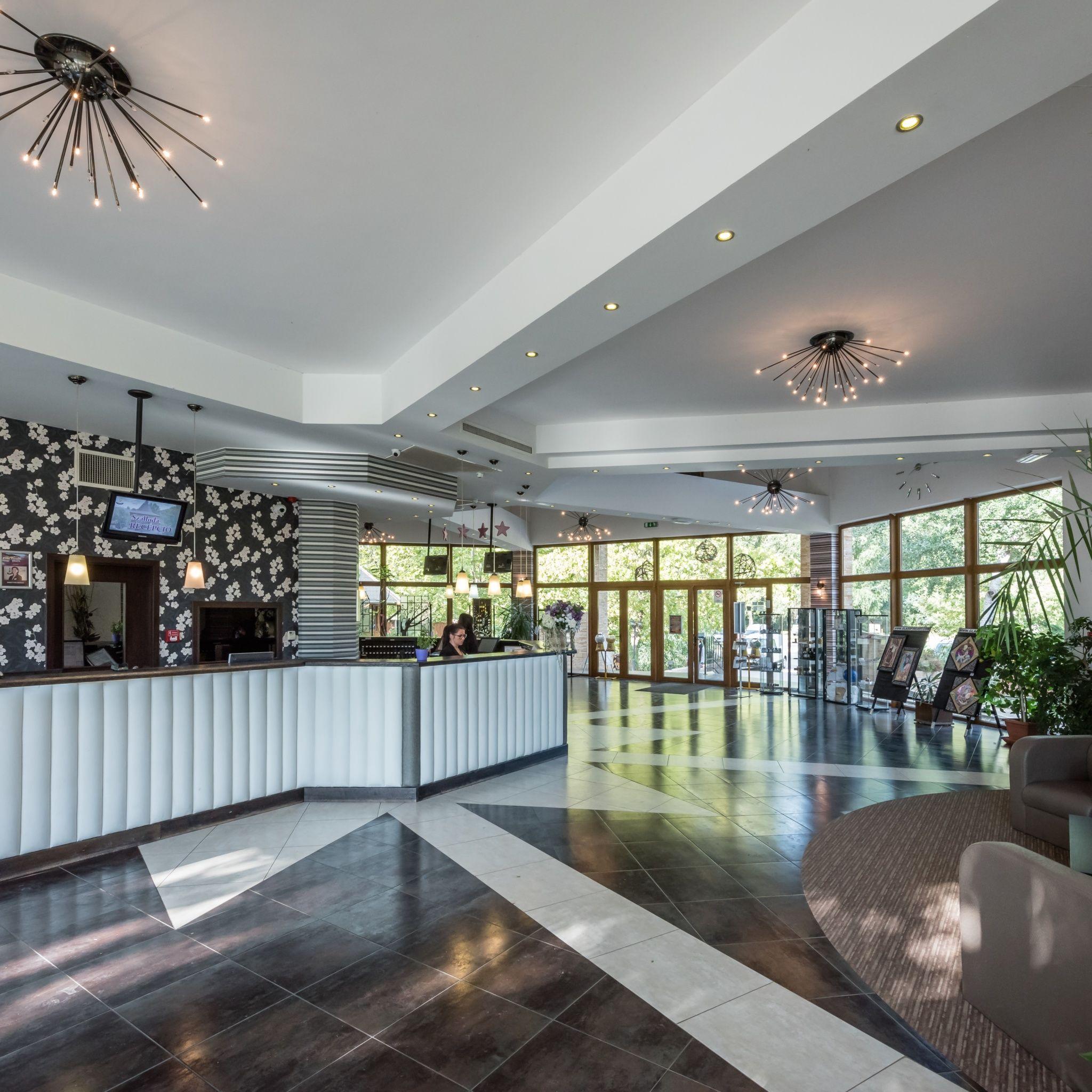Kristály Hotel Ráckeve - Szálloda recepció