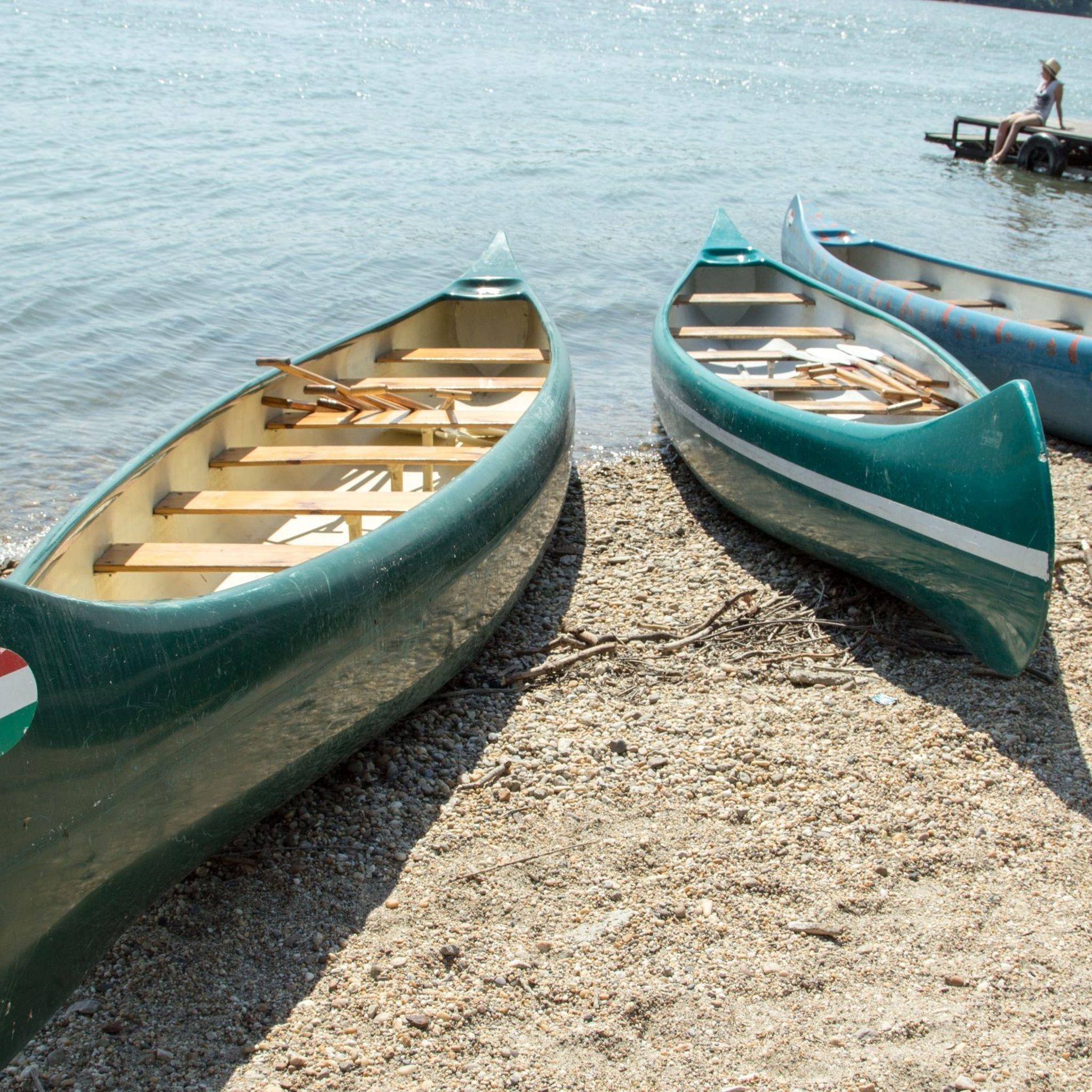 Aquamarina Boathotel & Rendezvényhajó Budapest - A közelben lévő csónakházak szeretettel várják a csónakázni vágyókat.