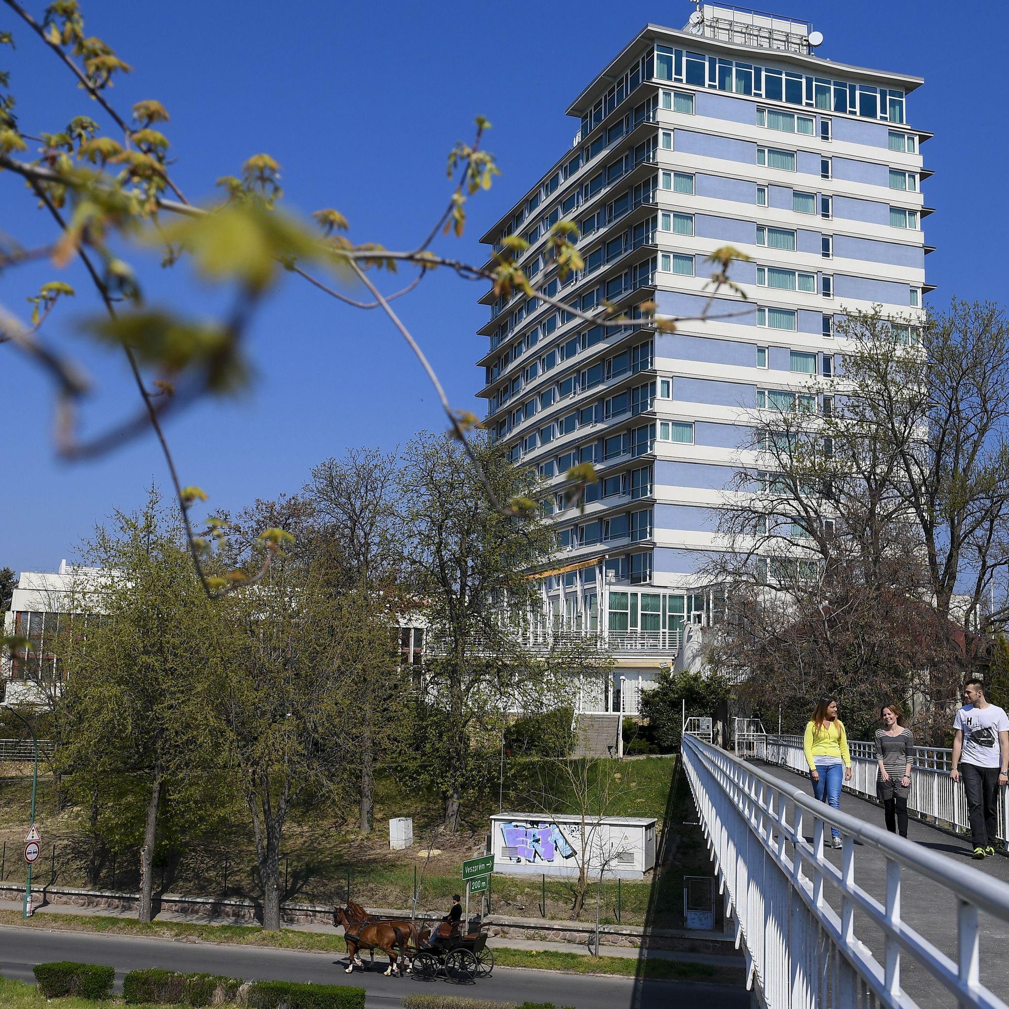 Hunguest Hotel Bál Resort Balatonalmádi - Szálloda épülete