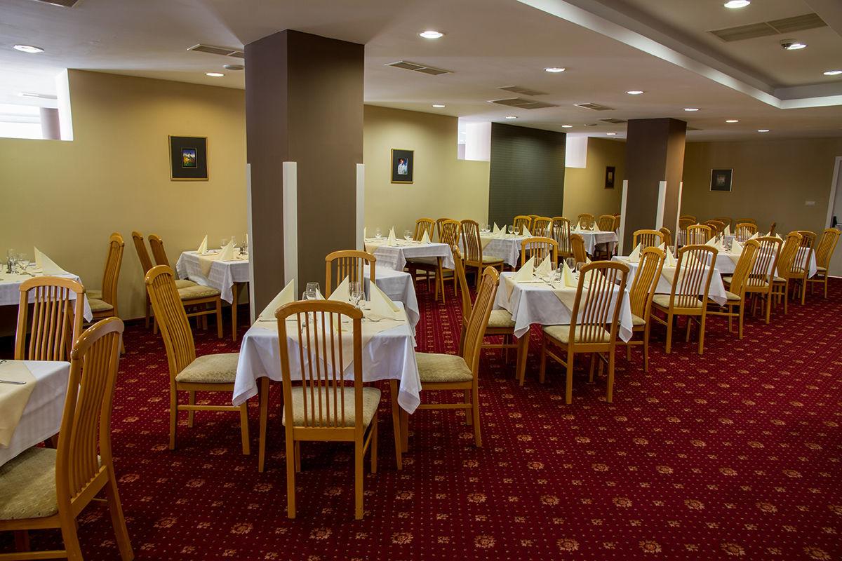 Hunguest Hotel Bál Resort Balatonalmádi - Étterem