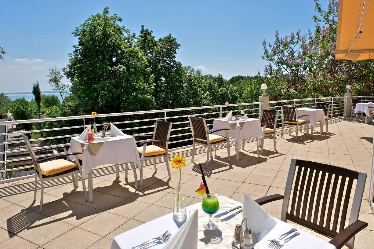 Hunguest Hotel Bál Resort Balatonalmádi - Terasz
