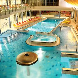 3 nap/ 2 éj családi wellness pihenés a Velence Resort & Spa****superiorban 2 felnőtt és egy 6 év alatti gyermek részére, félpanzióval