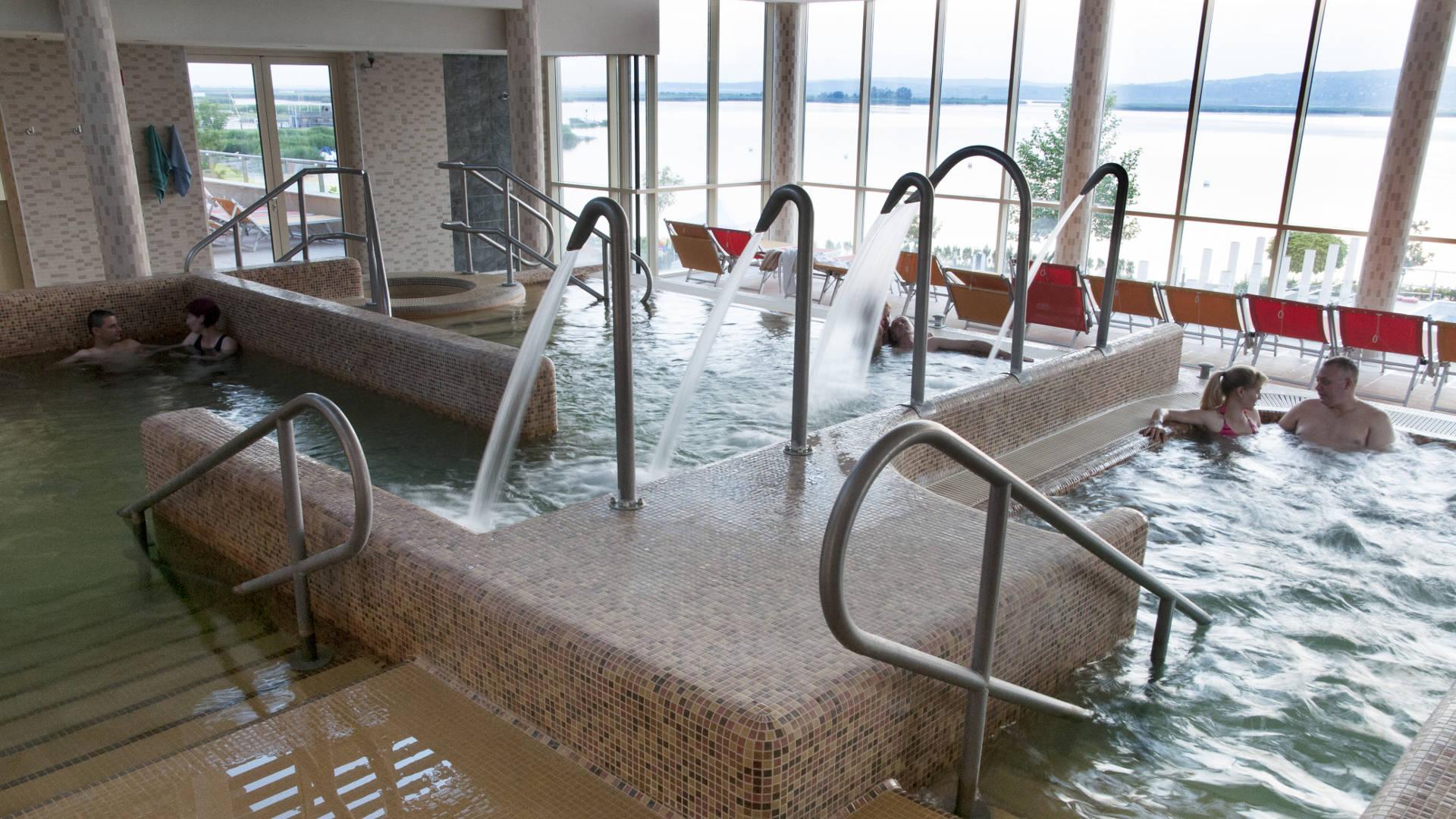 Velence Resort & Spa - Gyógymedence