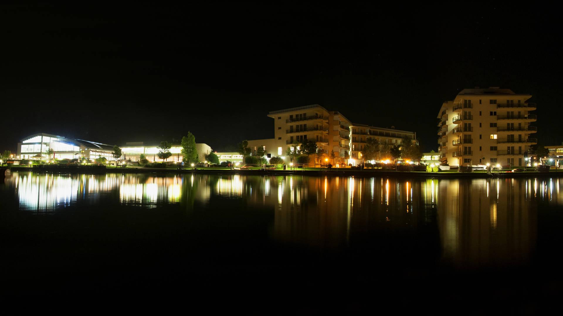 Velence Resort & Spa - Éjjeli panorámafotó