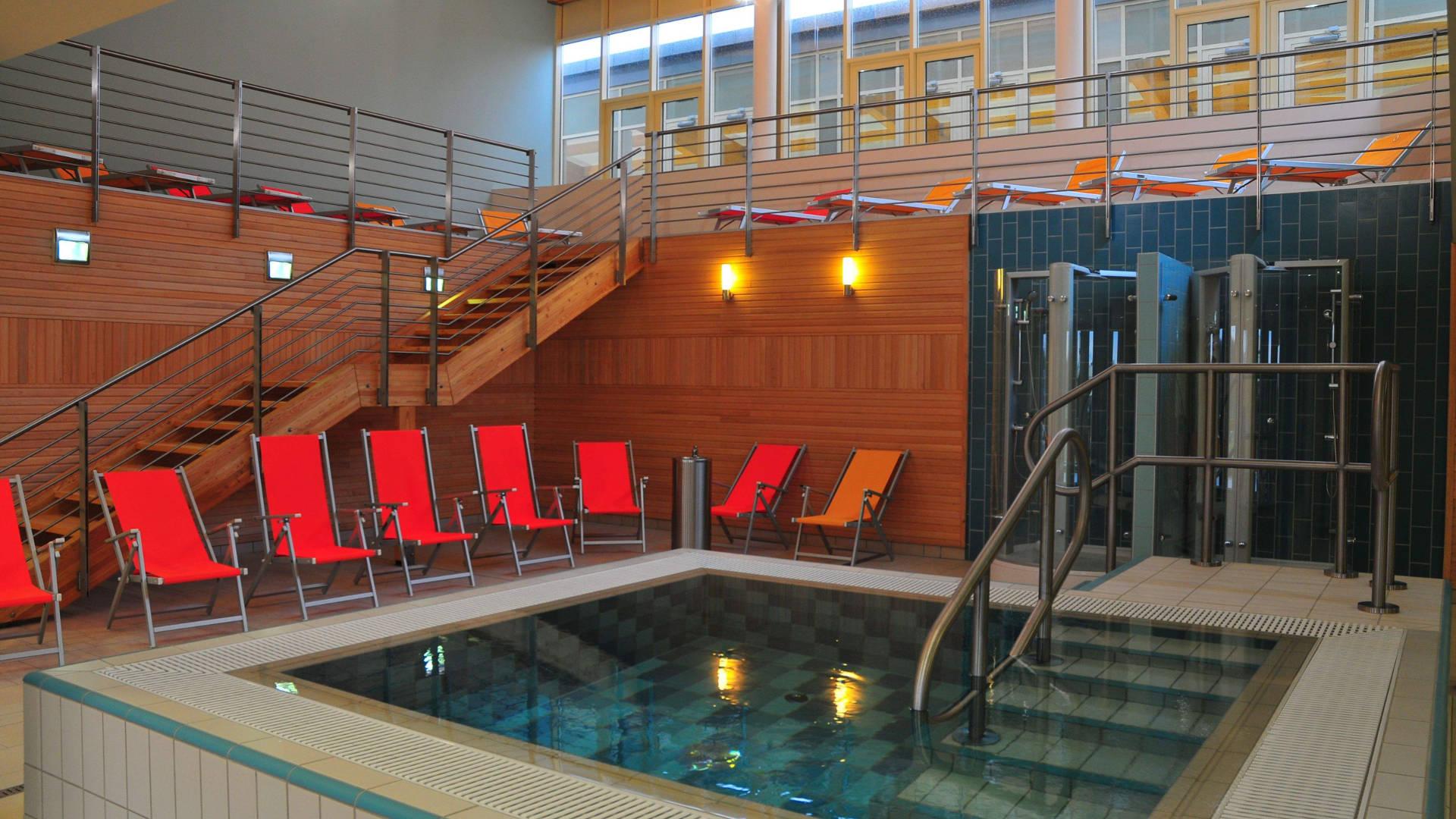 Velence Resort & Spa - Emeleti szaunapark merülőmedence