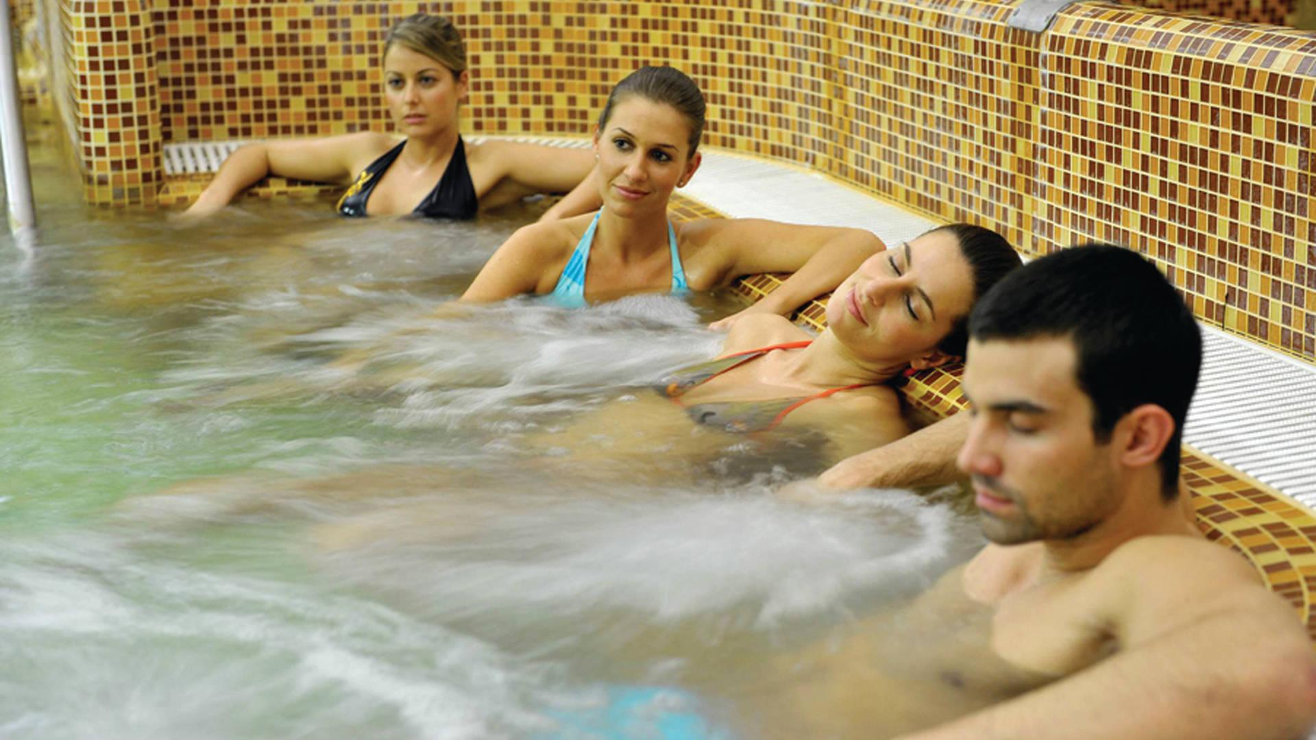 Velence Resort & Spa - Emeleti jakuzzi