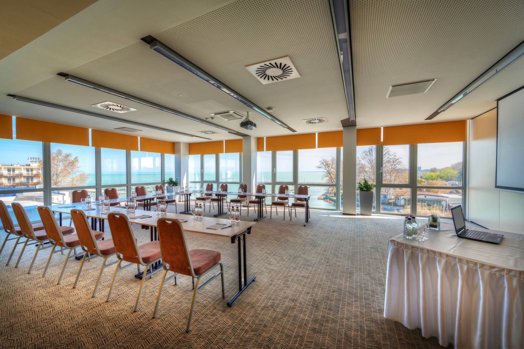 Hotel Yacht Wellness & Business Siófok - Fregatt konferenciaterem