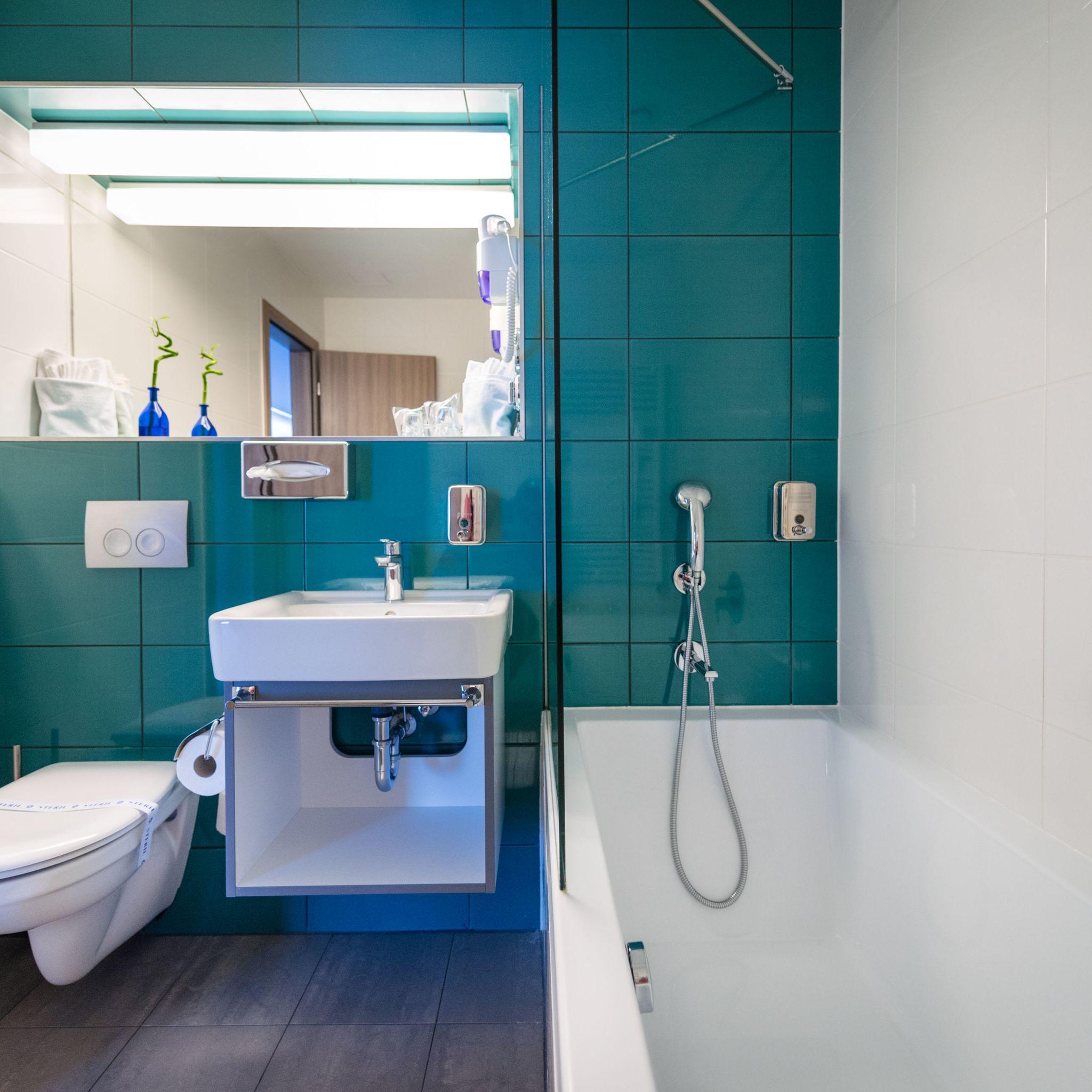 Hotel Yacht Wellness & Business Siófok - Superior fürdőszoba