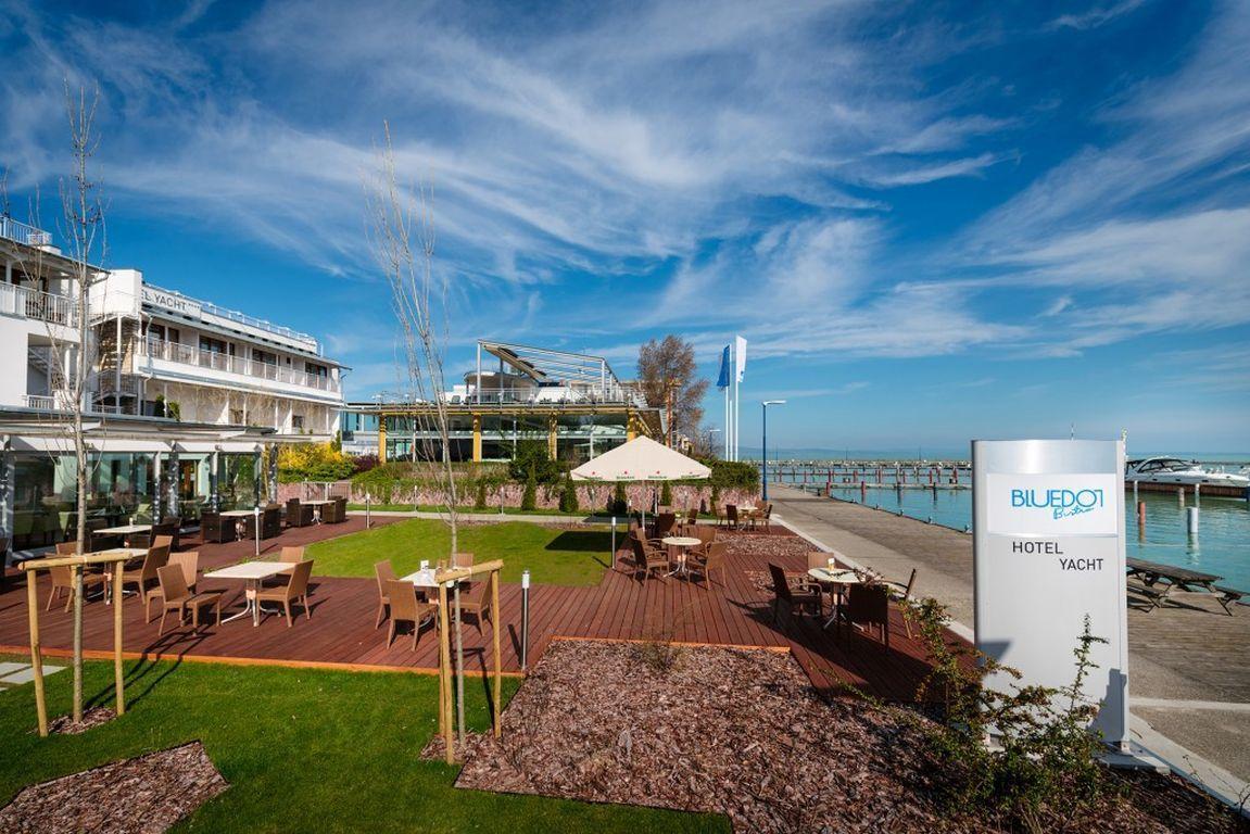 Hotel Yacht Wellness & Business Siófok - Terasz