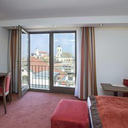 Vasárnapi páros lazulás felnőttbarát hotelben Szentendrén, 2 nap/1 éjszaka vasárnapi érkezéssel, félpanzióval és Spa használattal