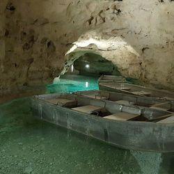 Séta Tapolcán és csónakázás a tavasbarlangban, 3 nap/2 éjszaka, 2 fő részére, reggelivel, üdvözlőitallal, belépőjeggyel a Tapolcai-tavasbarlangba