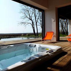 Hétköznapi luxus lazulás kisebb társaságoknak, egy különleges szálláshelyen, Pusztavacson