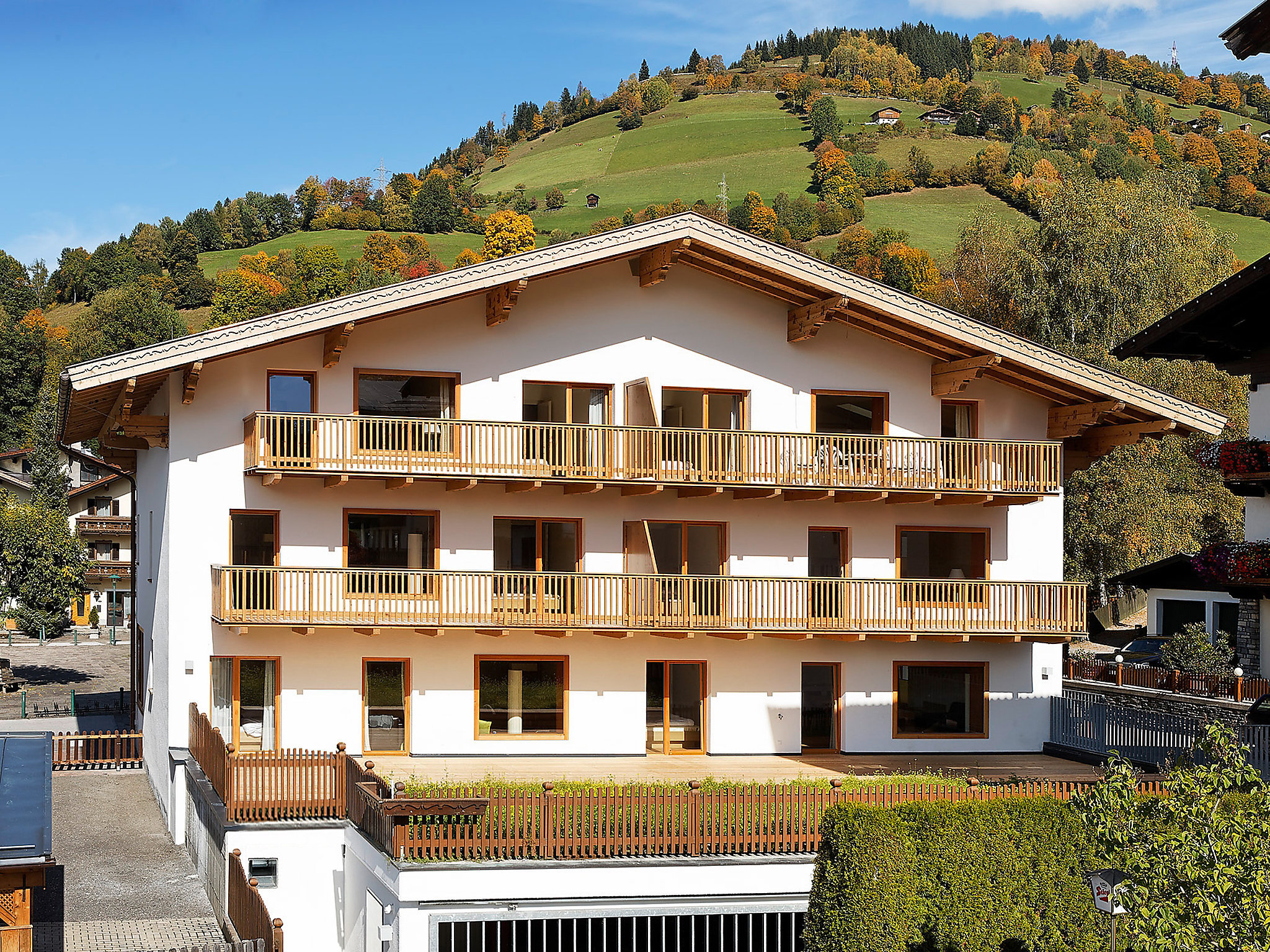 Apartment haus sonne zell am see for Apartment haus
