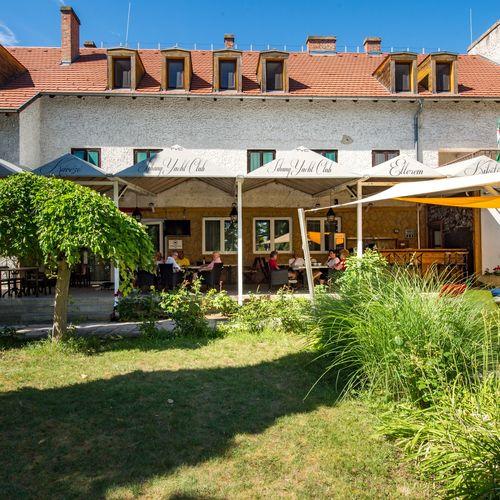 Hotel Tihany Yacht Club
