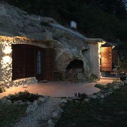 3 nap / 2 éj kalandos pihenés Sirokon, a Sirocave Barlang Apartmanokban, 2 fő részére reggelivel, fürdőbelépővel és éttermi kuponnal