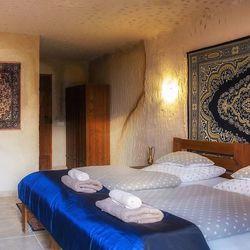 Gondtalan pihenés a siroki barlang apartmanokban, 3 nap/2 éjszaka, 2 fő részére, teljes ellátással, hosszú felhasználással